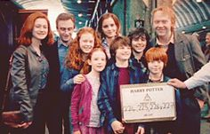 The END with the happiest two families Harry Et Ginny, Saga Harry Potter, Images Harry Potter, Harry Potter Actors, Harry Potter Jokes, Harry Potter World, Hogwarts, Sherlock Holmes, Godzilla