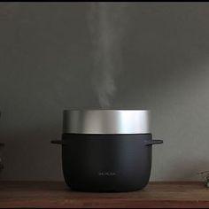 2017/01/12 18:46:14 xxnagi08xx    ✴︎  ✴︎ 炊 飯 器 も 出 る み た い ◡̈ パ ン 派 は 変 わ ら な い ❤︎ で も 美 味 し い ご は ん 炊 き た い ❤︎ ト ー ス タ ー と お 揃 い し た い❤︎ ✴︎ ✴︎ #balmuda #バルミューダ #炊飯器 #気になる #今欲しいもの