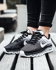 differently b78d4 68e6d Nike Air Max 2017  Black White Chaussure Nike Femme, Chaussure Mode,  Chaussure
