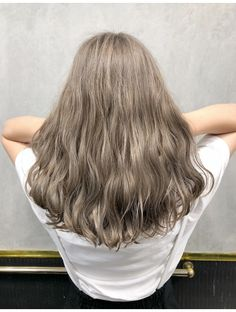 35 Hottest Chocolate Brown Hair Color Ideas of 2019 - Style My Hairs Blonde Hair Korean, Korean Hair Color, Blonde Curly Hair, Colored Curly Hair, Brown Blonde Hair, Chocolate Brown Hair Color, Brown Hair Colors, Hair Colours, Aesthetic Hair
