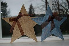 modpodge burlap onto metal stars--cute outside winter decoration