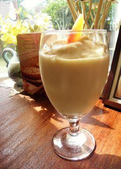Greek yogurt peach smoothie
