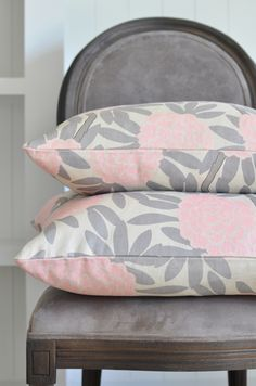 Caitlin Wilson Textiles - New Blush Fleur Chinoise Teal Yellow, Yellow And Brown, Pink Grey, Pink Color, Pink And Gold, Pink And Green, Pink Bedroom Decor, Pink Bedrooms, Bedroom Ideas