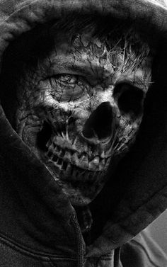 Undead under a cowl. Tatto Skull, Skull Art, Arte Horror, Horror Art, Horror Pics, Creepy Horror, Dark Fantasy, Fantasy Art, Art Zombie