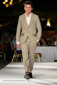 Wonderland Homme, english cut tailored suit, special leather details