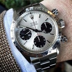 Real deal. Vintage Rolie Daytona _________________________________________  Join my email list www.felixflair.com _________________________________________ Photo credit @jimmycosmo #style #gentlemen #suit #gq #sprezzatura #menstyle #stylish #menswear #fashion #jacket #dandy #dapper #gentleman #bespoke #coat #sartorial #customsuit #felixflair #watch #winter #ny #nystyle #italianstyle #pitti87