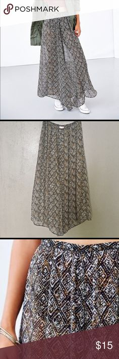 Like New! Band of Gypsies Sheer Chiffon Batik Pant Used once in excellent condition. BOG Collective sheer chiffon wide-leg pant from Urban Outfitters. So pretty & comfortable Boho chic style in an awesome tribal batik print. Urban Outfitters Pants Wide Leg