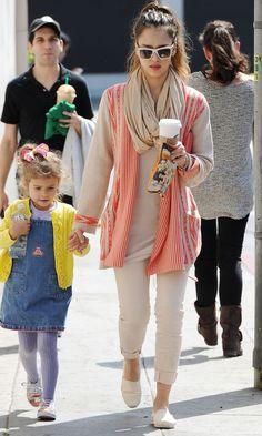 Jessica Alba Shopping In LA, March 2012
