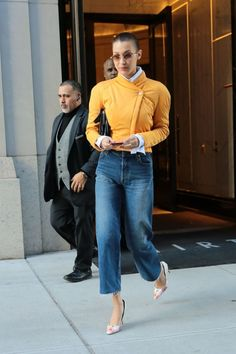 Bella Hadid Out in New York. Celebrity Fashion and Style | Street Style | Street Fashion #PopularFashionTrends