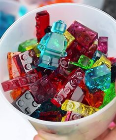 How To Make Edible Jello Legos - The King Of Random | A genius YouTube video shows you how to make edible LEGO bricks out of Jell-O. #refinery29 http://www.refinery29.com/2015/05/88152/edible-lego-bricks-gummy