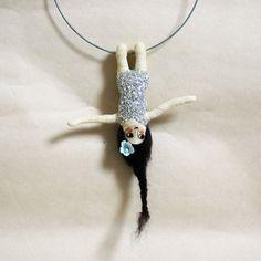 Artistin - juime - Handgefertigte Unikate von Manuela Olten.  Acrobat necklace. The night circus.