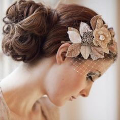 beige flowers on elegant birdcage bridalveil
