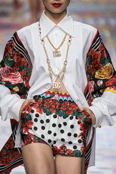 Fashion 2020, Star Fashion, Runway Fashion, Spring Fashion, High Fashion, Fashion Show, Fashion Outfits, Womens Fashion, Fashion Design