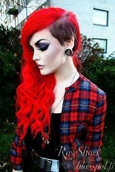 THAT HAIR DO!!