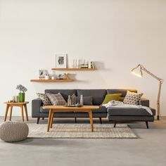 Ecksofa Billund - Webstoff Hellgrau - Longchair davorstehend rechts ähnliche Projekte und Ideen wie im Bild vorgestellt findest du auch in unserem Magazin
