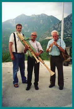 zampona Hammered Dulcimer, Gig Poster, Flutes, Folklore, Pipes, Musical Instruments, Violin, Drums, Sheet Music