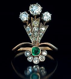 A Belle Epoque Plume-Shaped Ladies Ring. This unusual antique ring was hand crafted in St Petersburg around 1890