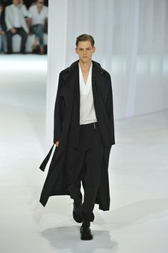DIOR HOMME (ディオールオム) | 2011春夏 パリ・メンズコレクションレポート|ファッション・ファッション ブランド情報サイト|アパレルウェブ