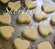 via La Maison Boheme: Scottish Shortbread. Love a simple recipe that only requires 4 ingredients.