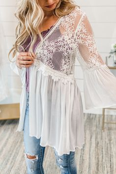 Mia is size wearing a small. FIT: True to size Cotton, Nylon Bell Sleeves Lace Top Lace Kimono Outfit, White Lace Kimono, Chic Outfits, Spring Outfits, Fashion Outfits, Couture Fashion, Girl Fashion, Bohemian Chic Fashion, Fashion Boutique