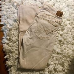 American eagle skinny jeans The bottom is frayed, but it's made like that! It's in a soft pink color American Eagle Outfitters Jeans Skinny