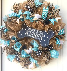 Fantastic Free Dog Wreath Wreath For Door Mesh Wreaths Everyday Wreath Ideas Baskets are chosen for decorative applications along with can be utilized functionally for regulator Home Decor Baskets, Basket Decoration, Dog Wreath, Wreath Crafts, Wreath Ideas, Deco Mesh Wreaths, Burlap Wreaths, Burlap Bows, Dog Crafts