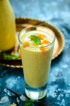 Mango Vanilla Smoothie is a soothing drink which has a thick consistency. Made from mangoes, curd, milk and vanilla beans, Mango Vanilla Smoothie can be relished anytime! Take a note of its recipe Mango Pineapple Smoothie, Mango Smoothie Recipes, Vanilla Smoothie, Smoothie Mix, Mango Recipes, Smoothie Drinks, Mango Smoothies, Veg Recipes, Drink Recipes