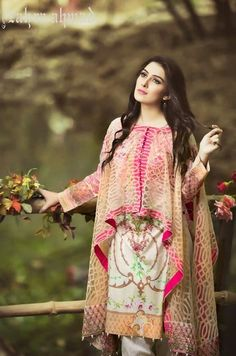Stitching Styles 2018 for Pakistani Dresses for Ladies Pakistani Fashion Casual, Pakistani Dresses Casual, Pakistani Dress Design, Indian Fashion, Casual Dresses, Stylish Dresses For Girls, Stylish Dress Designs, Designs For Dresses, Stylish Dress Book