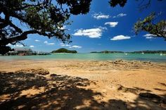 Beach Near Township of Paihia, New Zealand - Jigsaw Puzzles Online at JSPuzzles