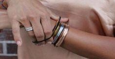 Προσοχή όταν βάζετε το λαστιχάκι των μαλλιών στον καρπό σας!: http://biologikaorganikaproionta.com/health/249839/