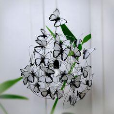 Lampara con mariposas blancas — At last! Crafts Iluminación