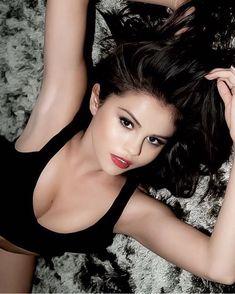Selena Gomez by Jake Bailey Photoshoot - Daily Actress Selena Gomez Fashion, Selena Gomez Photoshoot, Selena Gomez Fotos, Style Selena Gomez, Selena Gomez Pictures, Selena Gomex, Selena Gomez Bikini, Alex Russo, Beautiful Celebrities