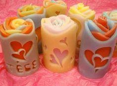 Aprende la técnica para hacer tallado de velas decorativas ~ Manoslindas.com Unique Candles, Best Candles, Diy Candles, Candle Art, Candle Lanterns, Diy Candle Diffuser, Homemade Candles, Candlemaking, Beeswax Candles