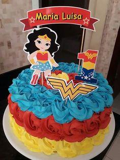 Mulher maravilha 60th Birthday Cake For Mom, Wonder Woman Birthday Cake, Wonder Woman Cake, Dr Seuss Birthday Party, Wonder Woman Party, Birthday Cakes For Women, Birthday Woman, Surprise Birthday, Husband Birthday
