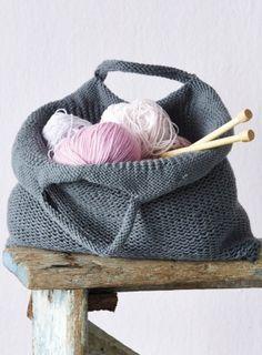 Tote bag - free pattern - 4 x 100gm chunky weight yarn