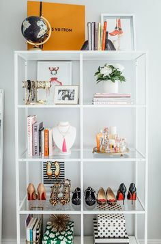 Home Office Decor Office Interior Design, Office Interiors, Purse Display, White Office Decor, Shelving Design, Apartment Chic, Home Office Space, Home Organization, Room Inspiration