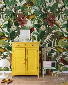 Botanical removable wallpaper, Colors of nature wall mural, Nature, Wild wallpapers, Colorful wall art ALL WALL HEIGHT Vintage Bird Wallpaper, Nature Wallpaper, Vintage Birds, Botanical Wallpaper, Bedroom Wallpaper, Beautiful Wallpaper, Deco Addict, Colorful Wall Art, Colorful Bathroom