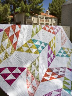 This Juxtapose quilt by Tiffany Hayes was featured in the Summer issue of Modern Quilts Unlimited. She used the Sun Prints collection by Alison Glass to make this quilt bright and fun. Get the issue on stands today.