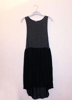 A vendre sur #vintedfrance ! http://www.vinted.fr/mode-femmes/robes-casual/19976198-robe-noire-et-grise-asymetrique-river-island