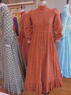 A classic neo-Victorian dress by Laura Ashley. Vintage Dresses, Vintage Outfits, Vintage Fashion, Vintage Clothing, Women's Clothing, Laura Ashley Vintage Dress, Feminine Dress, Pretty Dresses, Business Women