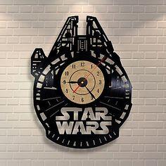 Star Wars Ship Millenium Falcon Vinyl Record Clock Home Birthday Party Wall Art Vinyl Record Crafts, Vinyl Record Clock, Vinyl Art, Vinyl Records, Record Wall, Star Wars Room, Star Wars Decor, Fancy Watches, Millenium Falcon
