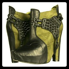 NIB Sam Edelman Zoe Bootie 7.5 Green suede & black leather with studded detail Sam Edelman Shoes Ankle Boots & Booties