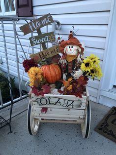 Fall Home Decor, Autumn Home, Front Door Decor, Front Porch, Outside Fall Decorations, Fall Decorating, Porch Ideas, Decor Crafts, Sweet Home