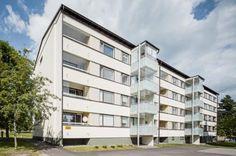 LaminaattilattiaJuustilankatu 4Juustilankadun perusparannus on valmistunut tammikuussa 2013 nykyaikaisia asumisvaatimuksia vastaavaksi sekä sisältä että ulkoa. Asunnot ja talon julkisivut ovat saaneet