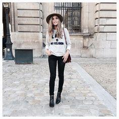 Rock Outfit ✖️ Snapchat: marieandmood   #outfit #latergram #stylish #rock #fbloggers #paris #moda #neverstop #parisian #fashion #enjoy