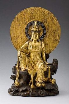 A fine gilt bronze figure of a seated Guanyin, China, Qing dynasty, probably  18th/19th century