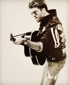 George Michael Albums, 20th Century Music, George Michel, Rest In Peace, My Heart Is Breaking, Music Stuff, Old Photos, Gentleman, Legends