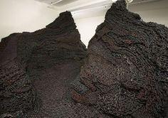 Orly Genger. Instalacion 2007 en Larissa Goldston Gallery