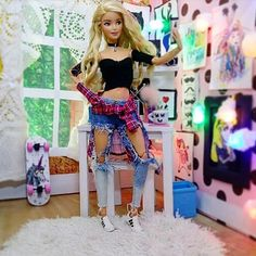 Barbie Doll House, Barbie Dream, Jojo Siwa Outfits, Realistic Barbie, Sewing Barbie Clothes, Custom Barbie, Barbie Playsets, Barbies Pics, Barbie Fashionista Dolls