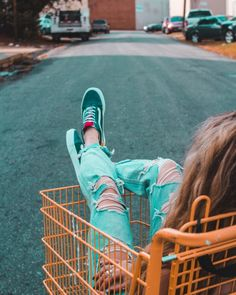 How To Develop Good Spending Habits (And Ditch The Bad) – Finance tips, saving money, budgeting planner Sneaker Outfits, Sneakers Mode, Adidas Sneakers, This Or That Questions, Activities For Teens, Pictures Images, Free Photos, New Product, Spring Summer